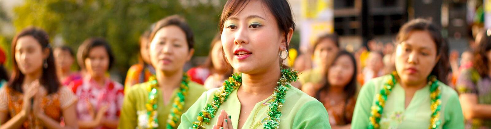 Contact Mandalay day tours