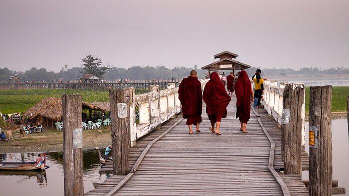 Mandalay Sightseeing Tour 3
